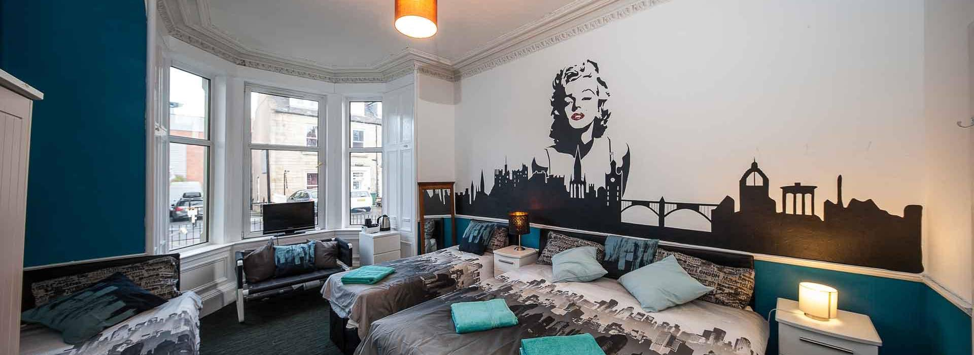 Stag Accommodation Edinburgh Marilyn